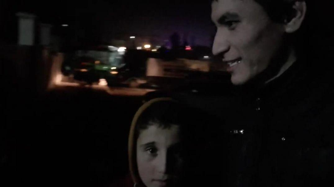 Махмуд ему 11 лет и он остался без дома, на улице, зимой.