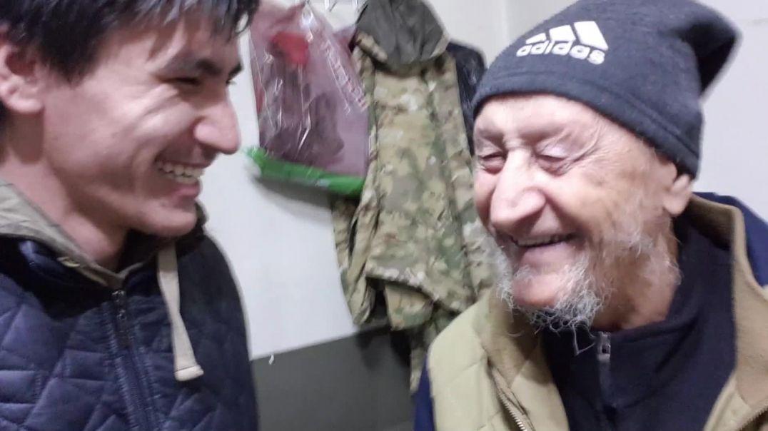 Навестил нашего дедушку